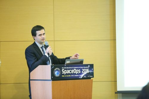 Aitor Conde speaking at the Cubesat Space Operations Student Workshop in Daejeon, South Korea