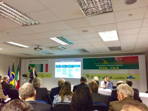 Enrico Russo from ASI giving a presentation at the Industrial Brokerage Workshop - Parque Tecnológico – São José dos Campos